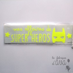"Appliqué en flex thermocollant ""mes affaires de super héros"""